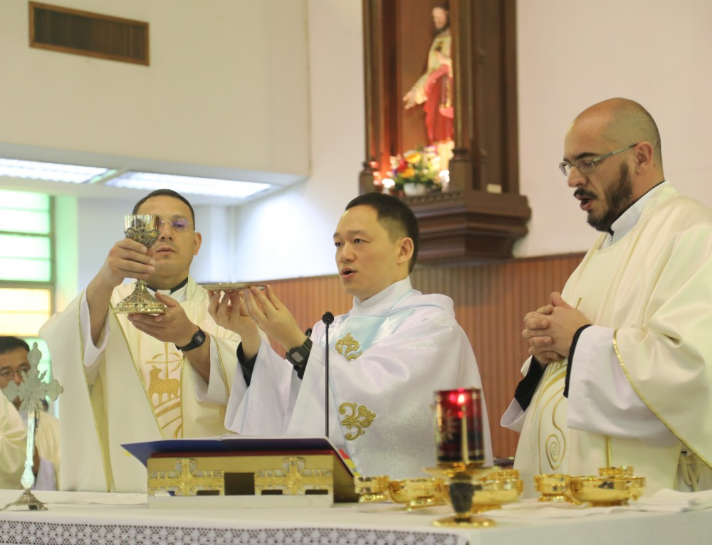 First Mass Celebrated by Fr. Michael Cheung